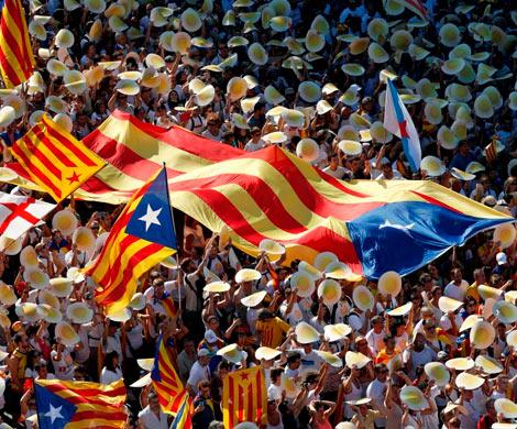 Парламент Каталонии готов назначить референдум оботделении отИспании,