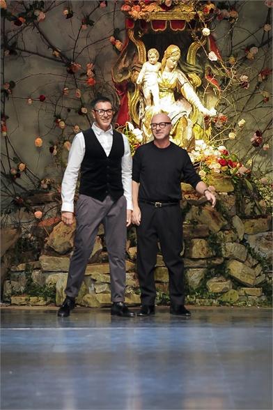 Женская и мужская коллекция весна-лето / осень-зима 2013 - 2014 от дизайнера Dolce&Gabbana (Дольче Габбана) D&G в интернет магазине одежды, обуви, аксессуары и украшения в интернет-магазин стильной одежды для женщин, мужчин и детей Luxury-Mall.ru