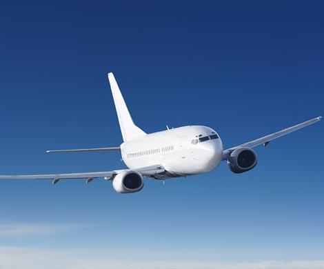 СМИ пояснили, почему CША и Великобритания запретили провоз электроники всалонах самолетов
