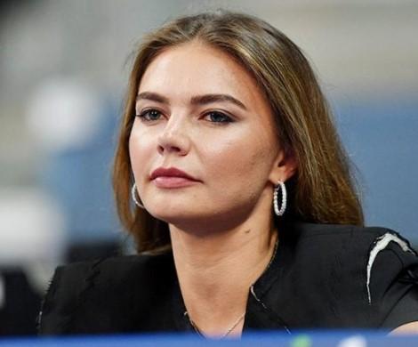 Алина Кабаева прокомментировала свои «тайные роды»