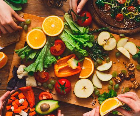 """Американский телеведущий назвал вегетарианство """"планом Сатаны"""""""