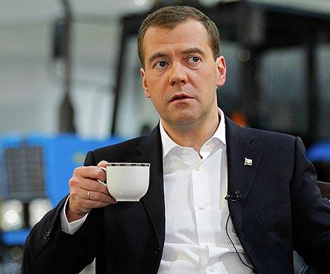 ФБК: Усманов подарил Медведеву усадьбу наРублевке за5 млрд руб.