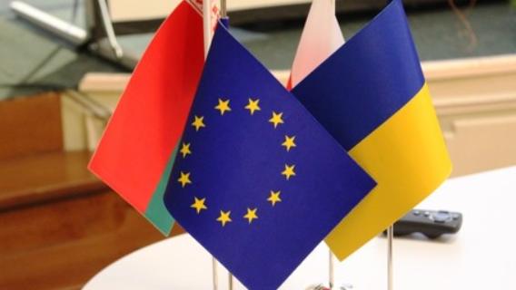 Беларуси готовят украинский сценарий: Шахназаров сделал неожиданное заявление