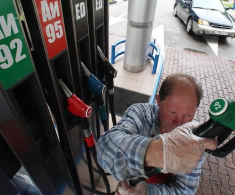 Бензин снова пошел вверх: у Медведева забеспокоились