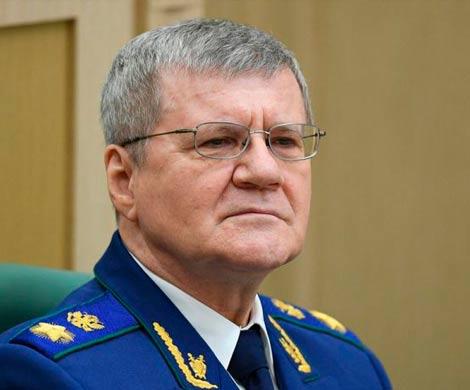 Чайка приехал в Екатеринбург в сопровождении кортежа из 18 машин