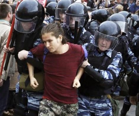 «Горючая смесь»: России предрекли массовые протесты в новом году