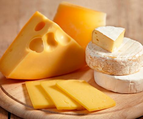 Поставки импортного сыра уменьшились доминимума