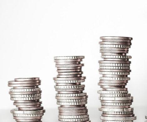 К работе с деньгами дольщиков допустят 100 банков