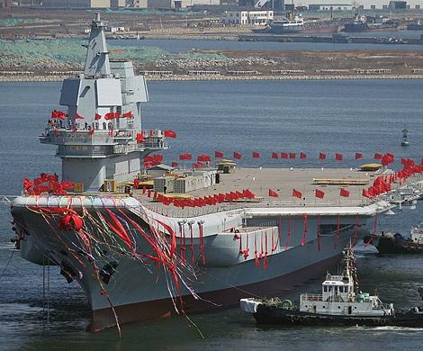 Китайский авианосец отправился втестовое плавание