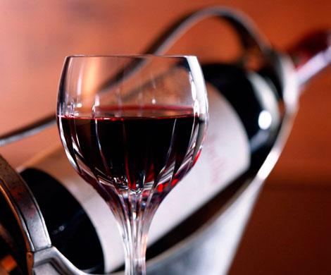 Малышева заявила о вреде употребления красного вина