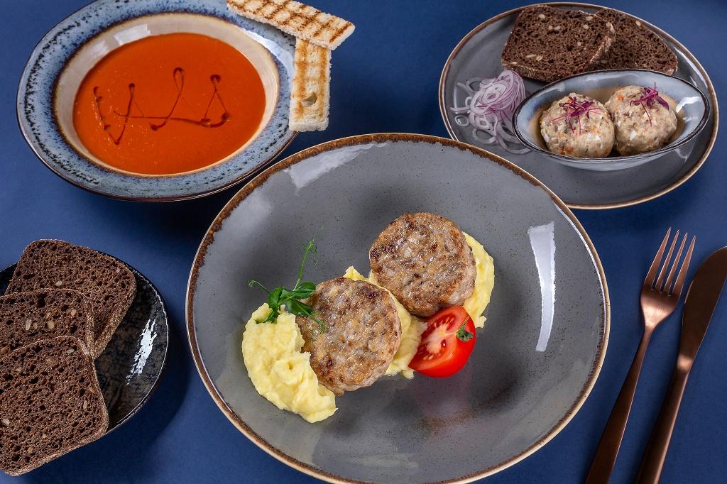 Москва: черноморские обеды в «Дюжине»