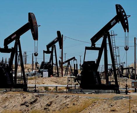 РФ иСаудовская Аравия просят продлить сокращение добычи нефти