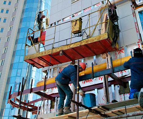 НаУральской улице оборвалась подвесная люлька состроителями изСеверной Кореи