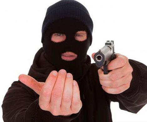 Преступники расстреляли мужчину на стоянке вМытищах