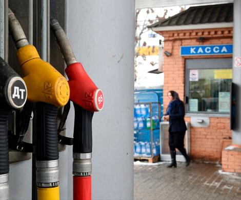 Независимые АЗС жалуются на недостаток топлива: «Водители ночуют вбензовозах»