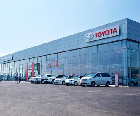 Прошлый посредник «Тойоты» вКрасноярске заложил вбанк 42 автомобиля