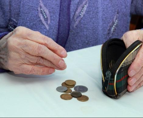 Пенсионеры в долгах: пожилые россияне задолжали банкам рекордную сумму