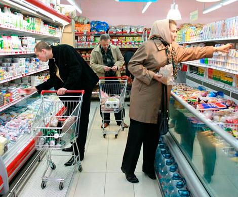 Практически треть граждан РФ экономят намясе, сыре иколбасе