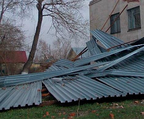 ВСамарской области ветер сорвал крышу сДома культуры