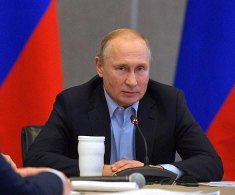 Подарок Путина: пенсионный возраст могут сократить