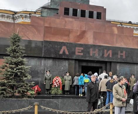 «Провокаторы хотят вздыбить страну»: Зюганов резко раскритиковал идею перезахоронения Ленина