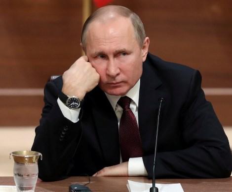 Путин готовит передачу власти: политолог рассказал о преемнике и ошибке президента России