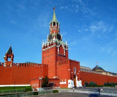 Путин может распустить Госдуму и отправить Кабмин в отставку: россиян ждет неожиданный конец года?