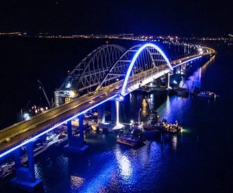 Путин угодил в скандал с Крымским мостом