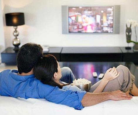 Общий просмотр телесериалов ифильмов укрепляет отношения впаре— Ученые