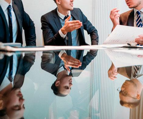 Российские компании повысят оклады только топ-менеджерам