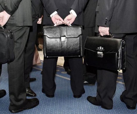 Путин запретил депутатам обладать зарубежными активами через третьих лиц
