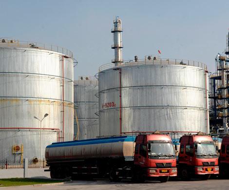 Излишек топлива в РФ сдержит рост цен довесны— специалисты
