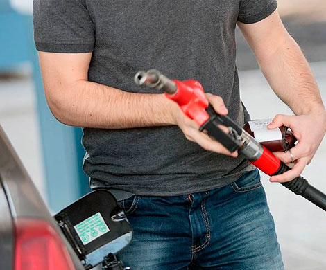 УФАС зафиксировало вПетербурге повышение цен наАЗС