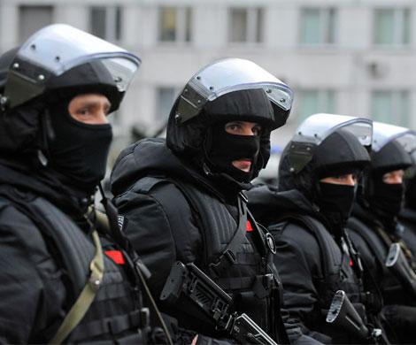 Россияне заявили о максимальном доверии армии, церкви и силовикам