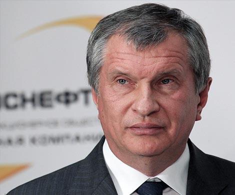 Сечин потребовал платить заработную плату  мирового уровня топ-менеджерам «Роснефти»