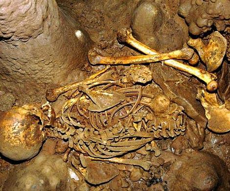 ВИспании археологи обнаружили пещеру старинных каннибалов
