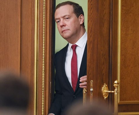 Терпение Путина лопнуло?: Медведеву прочат неприятности