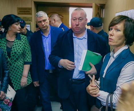 Теряющего сознание Карамзина арестовали еще на три месяца