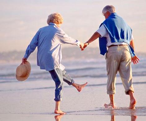Ученые назвали три ключевых фактора долголетия исчастливой старости