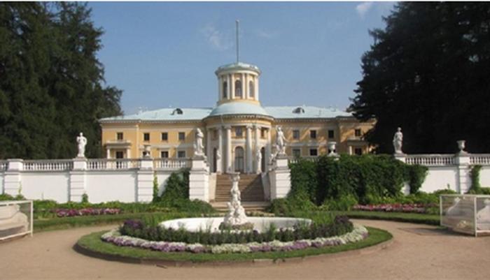 Трубы ЛТК «Свободный сокол» украсили музей