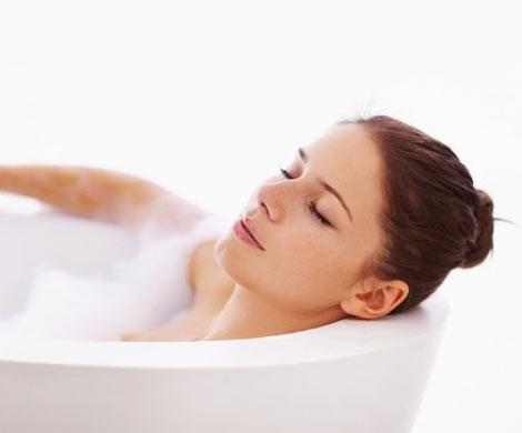 Горячая ванна несомненно поможет снизить уровень сахара вкрови и сбросить лишний вес