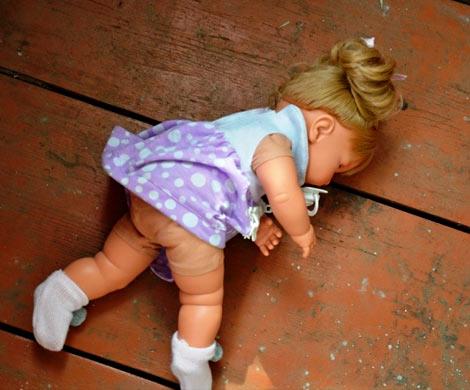 Скончалась избитая иизнасилованная отчимом вБалашихе 3-х летняя девочка