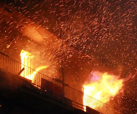 ВРостове-на-Дону пылает 4-х-этажный дом, есть пострадавшие