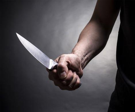 ВЧувашии ревнивец три раза ударил ножом знакомого