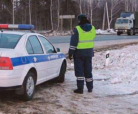 Нетрезвый шофёр вез вкузове грузового автомобиля десяток детей