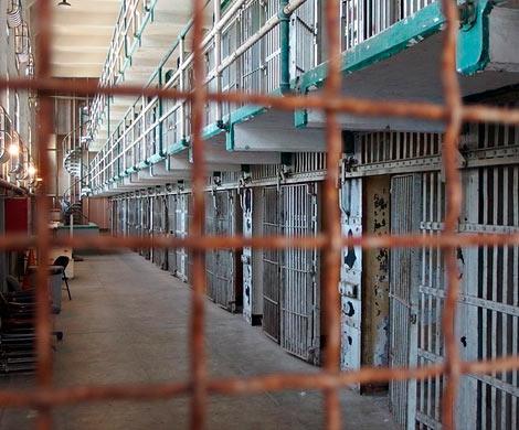 Заключенные вУльяновской колонии избили служащих заосмотр ихкамер