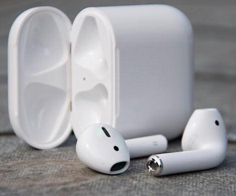 Владельцы беспроводных наушников Apple AirPods жалуются намигрень