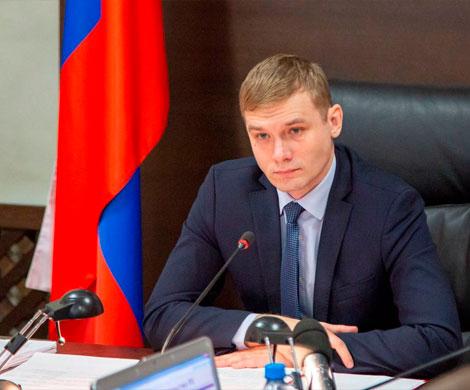 Вокруг Валентина Коновалова сжимается спасательный круг
