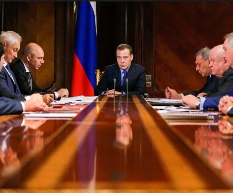«Хватит болтать, займитесь делом»: Медведев разгневался на Роскосмос