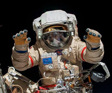 НаМКС космонавты поменяют «самовар» на русском сегменте из-за желтой примеси